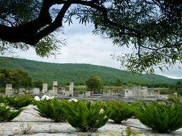 Der antike Tempel von Messa liegt auf der Route
