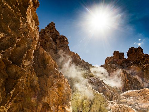 Ein Zeichen, dass der Vulkanismus auf Milos nur ruht, aber nicht erloschen ist: Die Kalamos-Fumarolen (c) Tobias Schorr