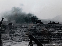 Ein (deutsches) Kriegsschiff wurde in der Bucht von Milos versenkt.