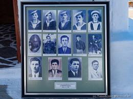 Fototafel der 14 von den Deutschen ermordeten Männer.