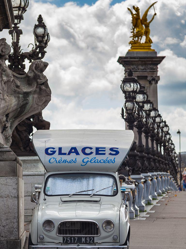 Eisverkäufer in Paris. (c) Tobias Schorr