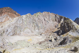 Der Krater des Polyvotis-Lavadoms. (c) Tobias Schorr