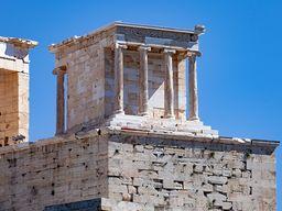 Der kleine Nike-Tempel an der Akropolis. (c) Tobias Schorr 2020