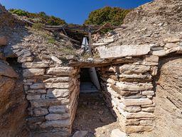 Das am besten erhaltene mykenische Kuppelgrab von Thorikos/Laurion. (c) Tobias Schorr