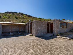 Das mit EU-Mitteln gebaute Eintrittshäuschen der Akropolis Midea. (c) Tobias Schorr