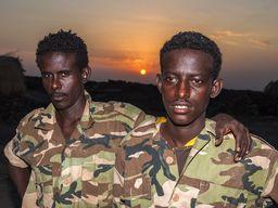 Soldaten im Basis-Camp am Erta Ale (c) Tobias Schorr