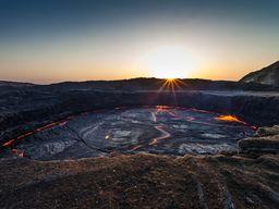 Sonnenaufgang über dem Lavasee des Erta Ale (c) Tobias Schorr