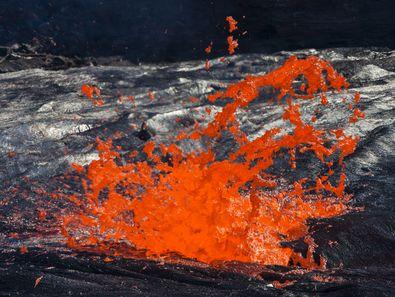 Solche Fotos kann man am Erta Ale Lavasee nur machen, wenn man genug Zeit hat. Und das ist bei unseren Reisen mit VolcanoAdventures möglich! (c) Tobias Schorr