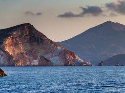 Das Nord-Ost-Kap von Milos. (c) Tobias Schorr