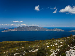Blick auf die Westseite der Vulkanhalbinsel Methana
