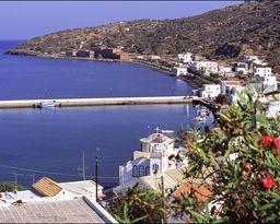 Der Hafen von Mandraki. (c) Tobias Schorr