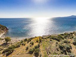 Die Thiafi-Bucht, in der die Mofetten und das römische Bad liegen. (c) Tobias Schorr