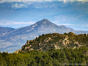 View from the mountains of Methana towards Egina island. (c) Tobias Schorr