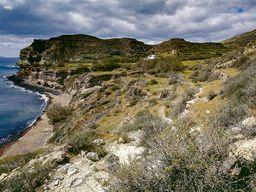 Das Tal bei der Kapelle Agia Markela im Westen der Insel Santorin. (c) Tobias Schorr