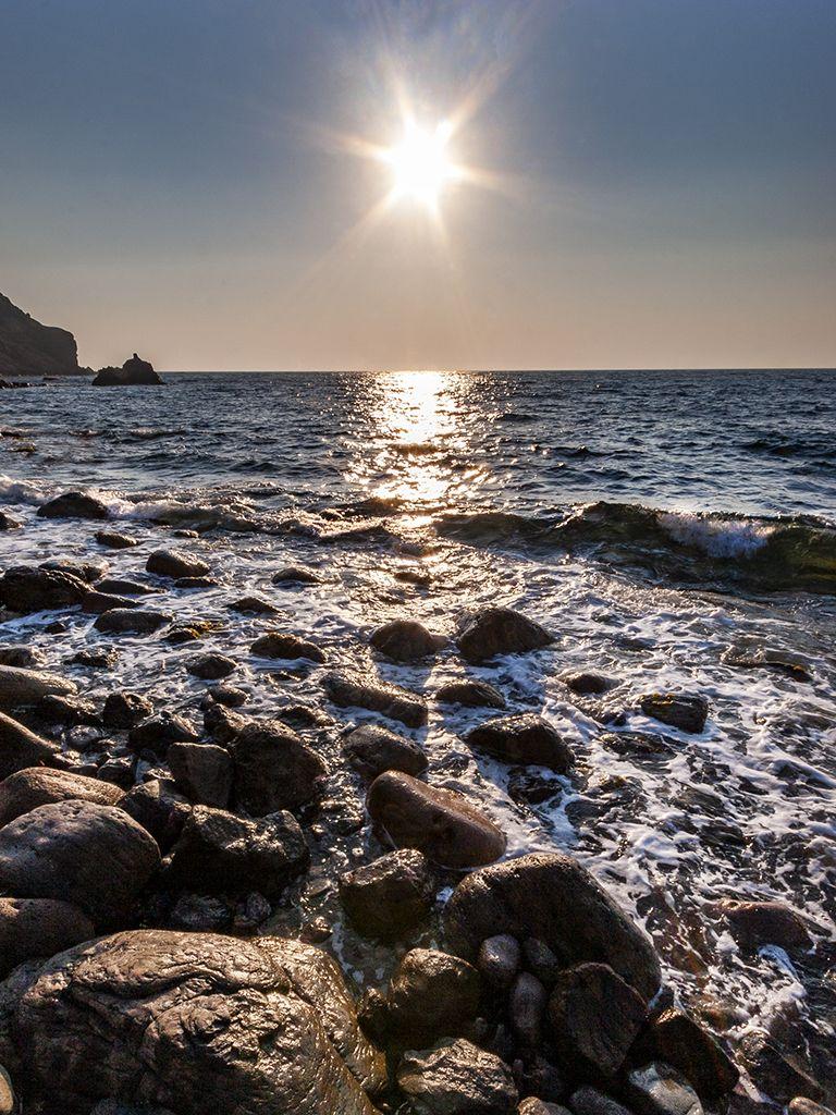 Sonnenuntergang am Kalamiotissa-Strand beim Leuchtturm. (c) Tobias Schorr