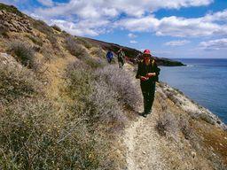 Wanderung vom roten Strand in Richtung Agia Markela. (c) Tobias Schorr