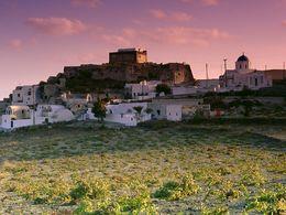 Das Dorf Akrotiri mit seiner venezianischen Schutzburg (c) Tobias Schorr