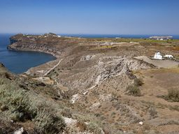 Blick auf die Bucht Mesa Pigadia und das Westkap von Akrotiri. (c) Tobias Schorr
