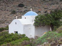 Kapelle in der Landschaft bei der Kirche Panaghia Exchoriani