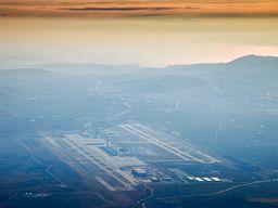 Anflug auf den Flughafen Athen-Venizelos