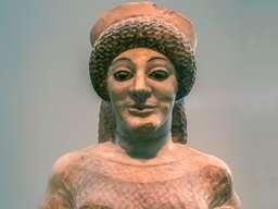Frauenbildnis im Museum von Athen. (c) Tobias Schorr