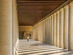 Die restaurierte Hadrian-Stoa in der antiken Agorá in Athen ist absolut sehenswert! Auch das Museum dort sollte man nicht links liegenlassen! (c) Tobias Schorr