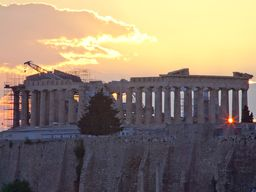 Sonnenuntergang hinter dem Parthenon-Tempel