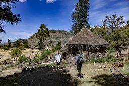 Solche Hütten gab es auch vor Jahrtausenden bei uns in Europa! (c) Tobias Schorr
