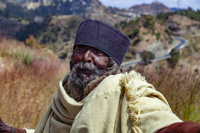 Ein freundlicher, äthiopisch-orthodoxer Mönch. (c) Tobias Schorr
