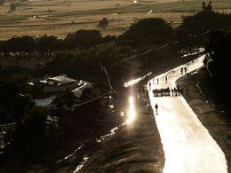 Strasse nach Axum im letzten Sonnenlicht