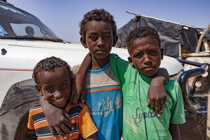 Die Kinder sind eines der Wunder der Region. Wenn man verfolgt, wie sie sich in der Wüste orientieren, um zur Schule zu kommen, dann hat man großen Respekt. (c) Tobias Schorr