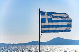Griechische Flagge & Sonne :-) (c) Tobias Schorr