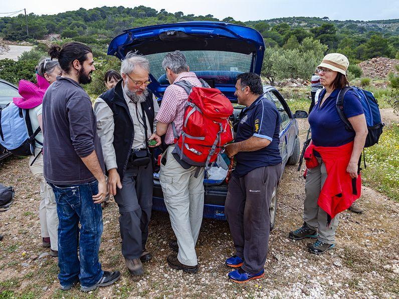 Wenn eine interessierte Reisegruppe nach Laurion kommt, öffnen die lokalen Mineraliensammler ihre Schatztruhe :-) (c) Tobias Schorr 2014