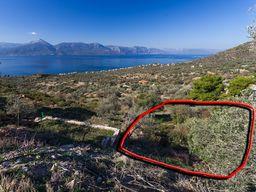 Vom Grundstück aus hat man einen tollen Blick auf den Golf von Epidaurus und die Küste von Vathy (c)Tobias Schorr