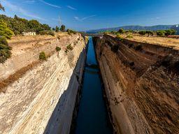 Wenn Zeit bleibt, können wir einen Fotostopp am Kanal von Korinth machen.