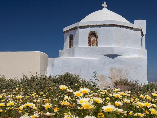 Εκκλησία στον Πύργο Σαντορίνης (c) Tobias Schorr