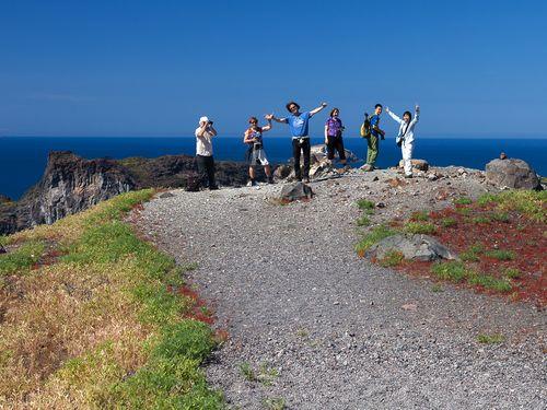 Die Reisegruppe vom April 2017 auf der Vulkaninsel Nea Kameni im Santorin-Archipel (c) Tobias Schorr