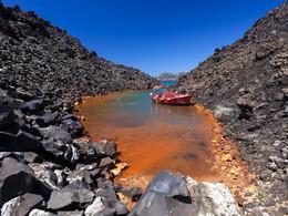 Ein Bad in den vulkanischen Quellen der Insel Nea Kameni. (c) Tobias Schorr, April 2017
