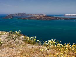 Die Vulkaninsel Nea Kameni. (c) Tobias Schorr