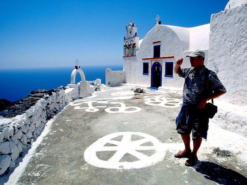 Tom Pfeiffer bei einer Reise auf der Insel Thirasia/Santorini 2006 (c) Tobias Schorr