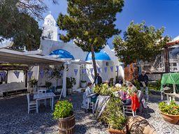 Mittagessen im Restaurant Marmita in Megalochori.