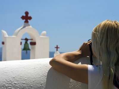 Photography & hiking on Santorini island is one of the provided opportunities in our program!