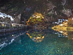 Die Lavahöhle von Jameos del Aqua