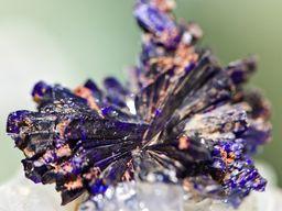 Wunderschöne Azurit-Kristalle. (c) Tobias Schorr