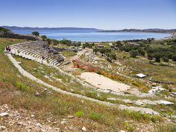 Das antike Theater von Thorikos soll angeblich eines der ältesten Theater Griechenlands sein. (c) Tobias Schorr 2012
