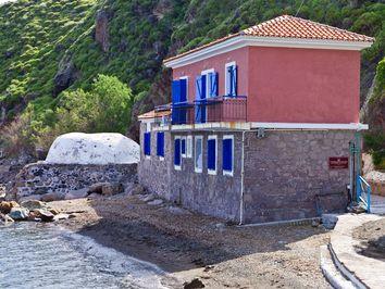 Das kleine Heilbad von Eftalou an der Nordküste von Lesbos