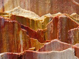Fossile Rinde eines Baumes aus dem Unesco-Geopark von Sigri/Insel Lesbos