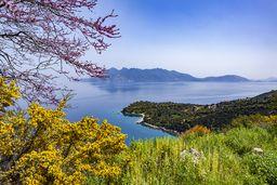 Blick von der Ostküste der Peloponnes auf Methana. (c) Tobias Schorr