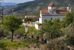 Im April 2009 führte ich eine griechische Wandergruppe durch Methanas Berge. (c) Tobias Schorr