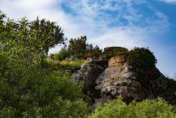 Einer der Rundtürme der antiken Akropolis Paliokastro. (c) Tobias Schorr